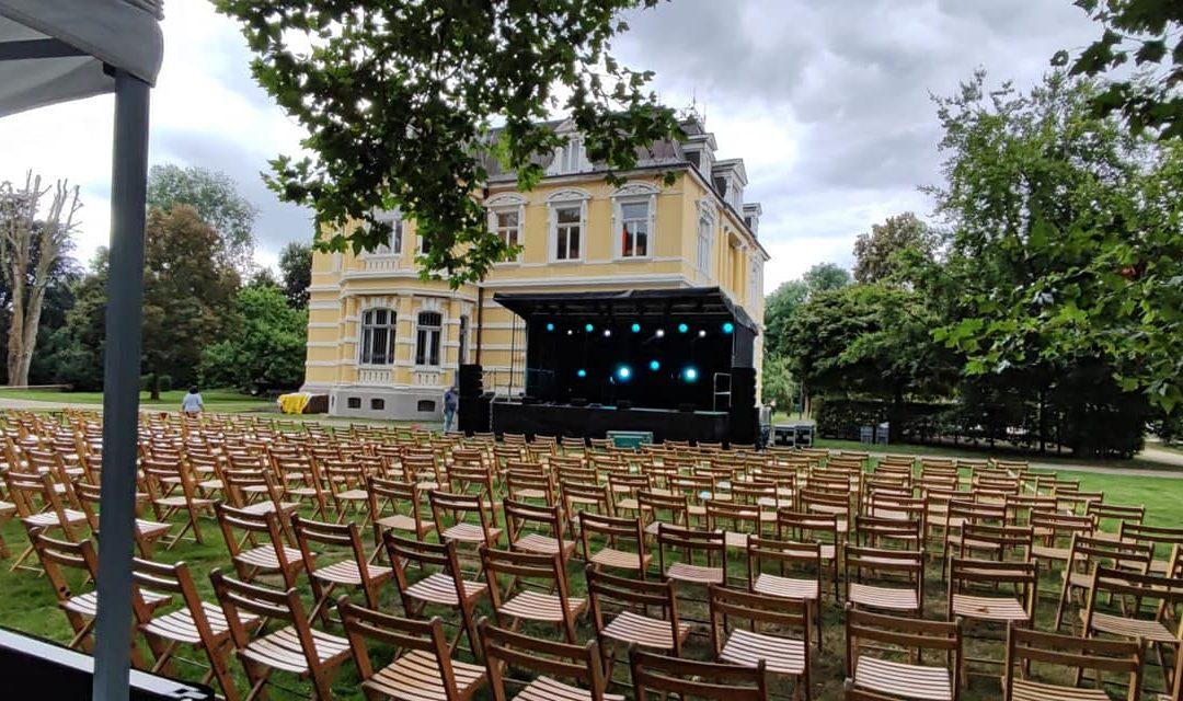 "Open-Air-Veranstaltung ""Kultur im Park"""